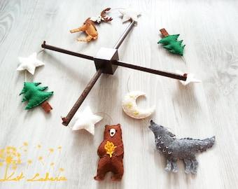 Baby Mobile Waldtiere, Babybett Mobile, Heulender Wolf, Bär, Mobile, hängen, Baby-Dusche-Geschenk, Kiefer, Mond-Mobile, Mobile, Wald