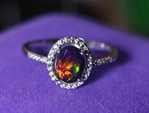 Woman Goegeous Shiny 925 Sterling Silver White Fire Opal Gems Wedding Ring Sz 8