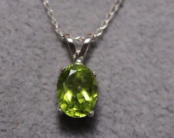 Peridot silver necklace, gemstone pendant, peridot jewelry, birthday gift for August, birthstone Jewelry, handmade jewelry, unique gift,