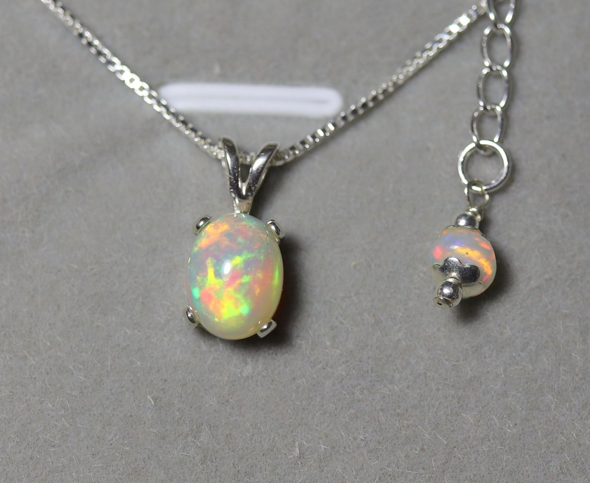 Delicate Round Opal /& 925 Sterling Silver Necklace Pendant Colourful Gift