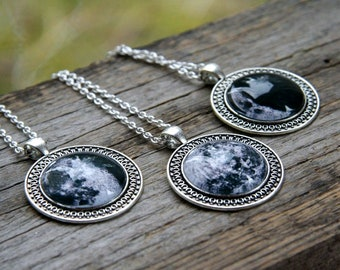 Moon phases pendant, Moon Pendant, pick your Moon phase, Custom moon Pendant, Cosmic necklace, planet pendant, galaxy pendant