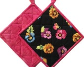 Black and Pink Quilted Floral Pot Holders, Handmade Kitchen Pot Holder, Housewarming Gift