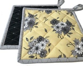 Honey Bees Flowers Black & Yellow Quilted Potholders, Handmade Pot Holders, Housewarming Gift