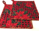 Christmas Quilted Pot Holders, Fabric Hot Pads, Set of 2