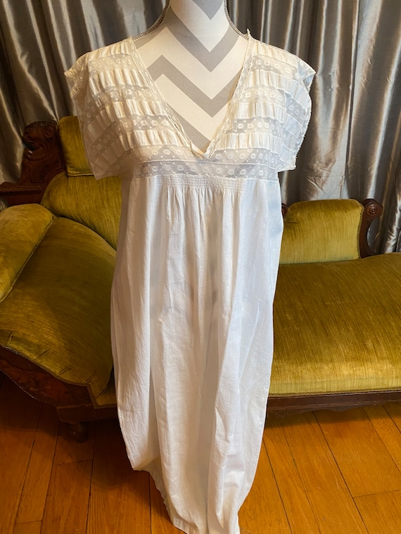 Antique Victorian Edwardian long nightgown