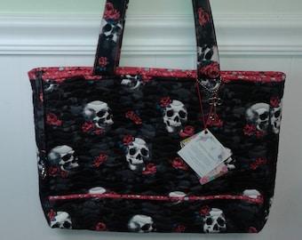 Skulls & Roses Red