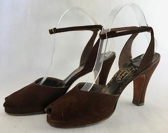 1940s - 50s Brown Suede peep toe platform heels
