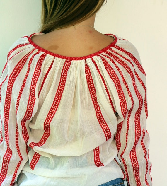 Romanian Blouse, Vintage 60s Hand Embroidered Shi… - image 7