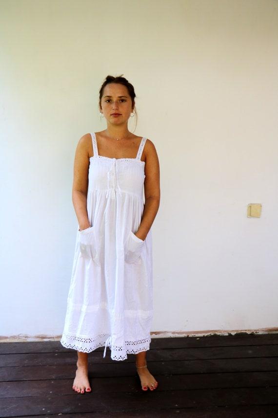 Babydoll white Lace Dress, Vintage 70s Boho Hippie