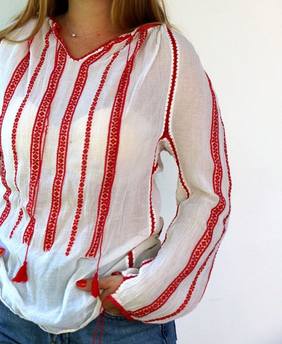 Romanian Blouse, Vintage 60s Hand Embroidered Shi… - image 2