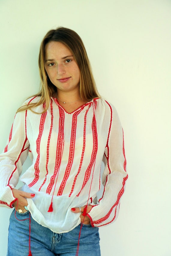 Romanian Blouse, Vintage 60s Hand Embroidered Shi… - image 3