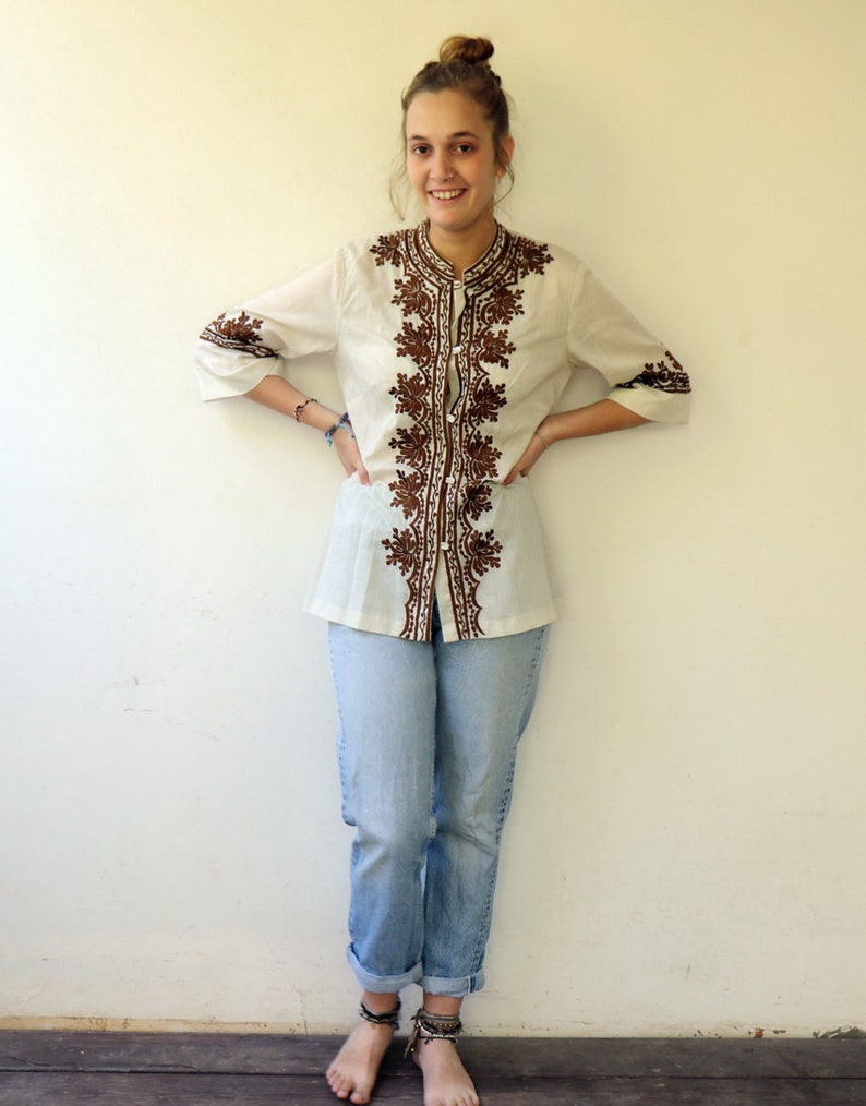 Embroidered Blouse Vintage 70s Off White Embroidered Tunic Boho Hippie Shirt  S M