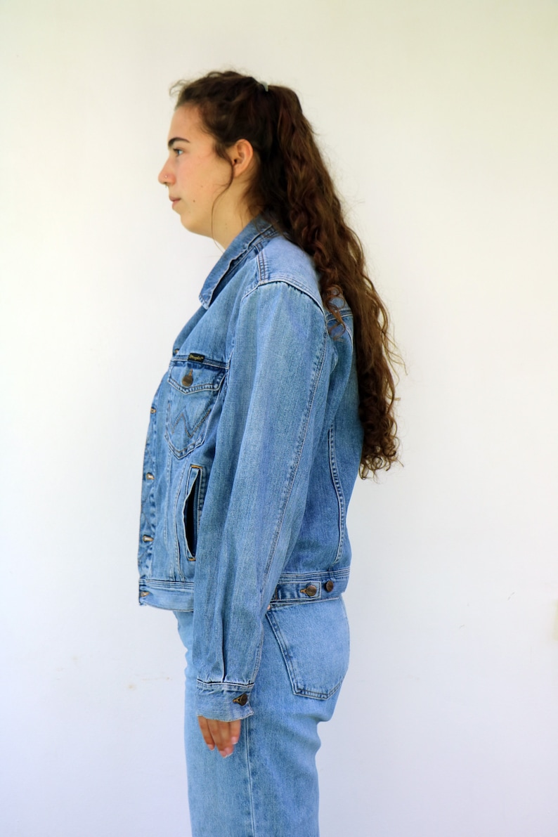 Wrangler Denim Jacket Vintage 70s 80s Boho Hippy Western Country Jean jeans Jacket Hippie Hipster Blue Shirt Top 1970s  M