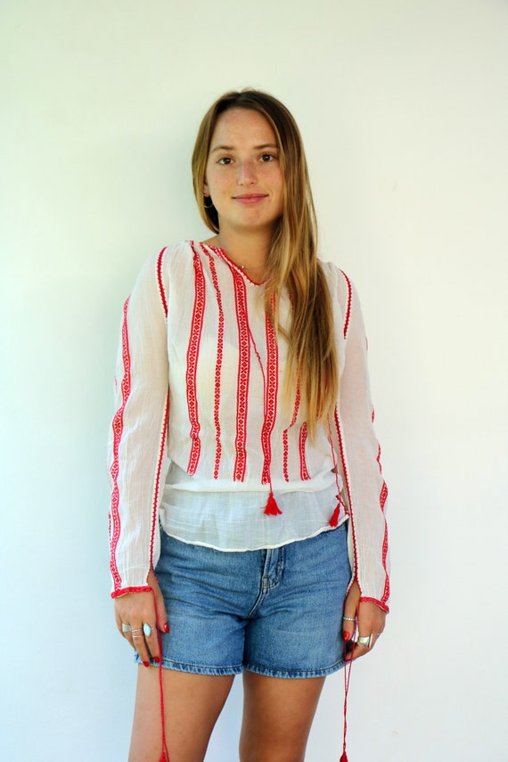 Romanian Blouse, Vintage 60s Hand Embroidered Shi… - image 9