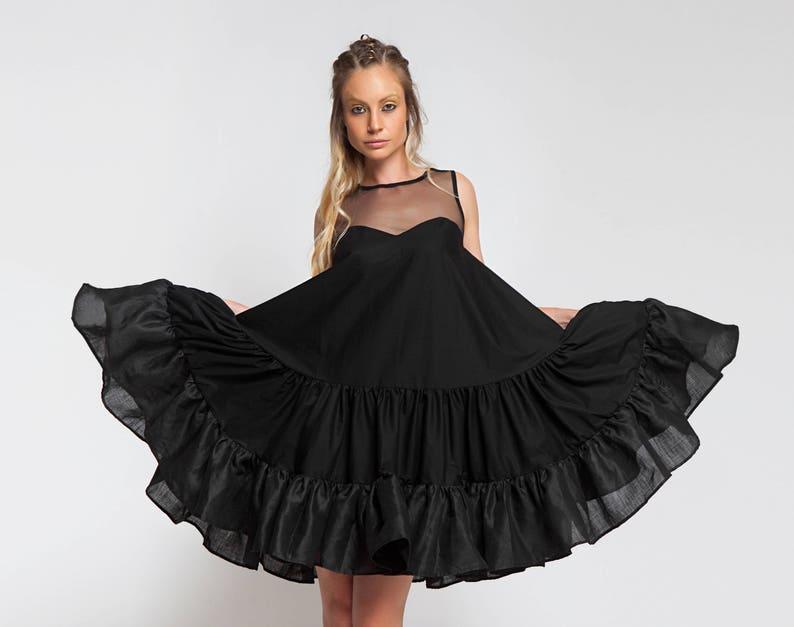 5952b32f2a6 Une robe de forme trapèze vêtements grande taille robe en
