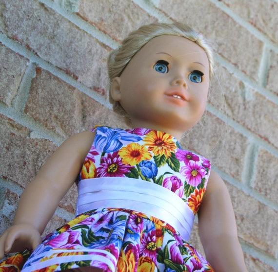 LPF Dress Up Magnet Doll Brunette Spring Fling Mix /& Match 6+
