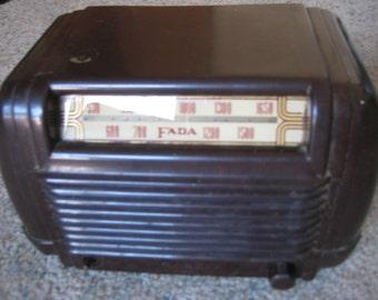 Fada Model 605 1946 Radio
