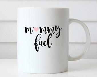 Tasse de carburant maman, maman une tasse de café, cadeau d'anniversaire de maman, cadeaux maman, cadeau pour maman, déclaration Mug, une tasse de café Unique, citation de tasse, cadeau de fête des mères