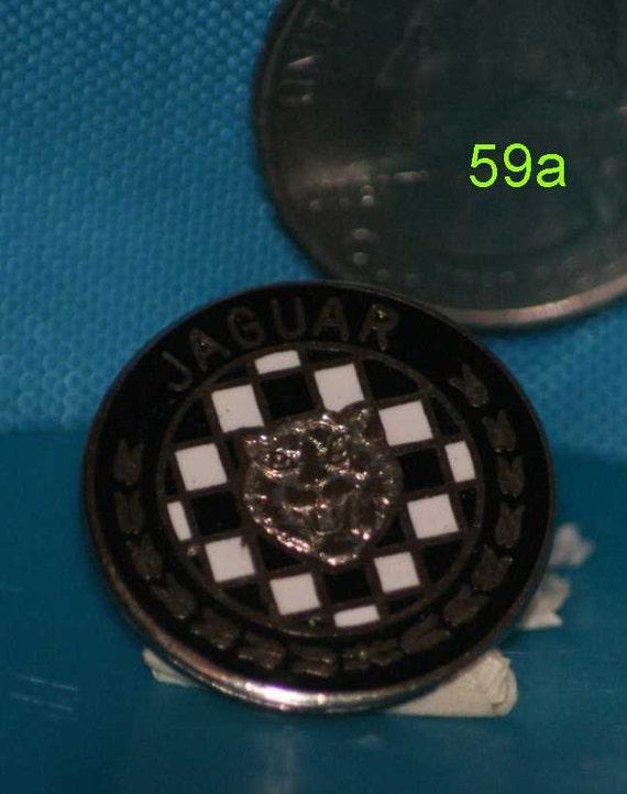 vintage Jaguar hat pin and pin back  == 59a