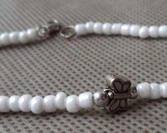 Bracelet , Beaded bracelet , Mother's day gift , Stocking stuffer, Beaded gift , White bracelet , Butterfly bracelet , Gift under 10