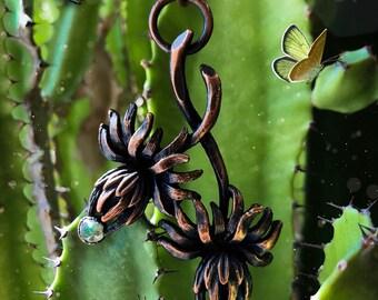 Flower and Labradorite pendant