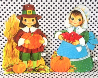 Mr and Mrs Pilgrim~Vintage Thanksgiving Decoration~Pilgrim Wall Hangings~Classroom~Wall