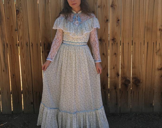 70s Gunne Sax Blue Floral Dress / Gunne Sax Lace neckline & sleeve Boho Dress / Vintage Maxi Prairie Dress