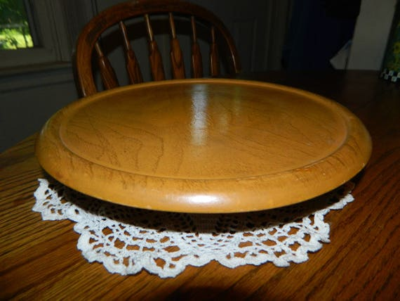 A Vintage Wooden Rotating Cake Plate Wooden Pedestal Plate Etsy
