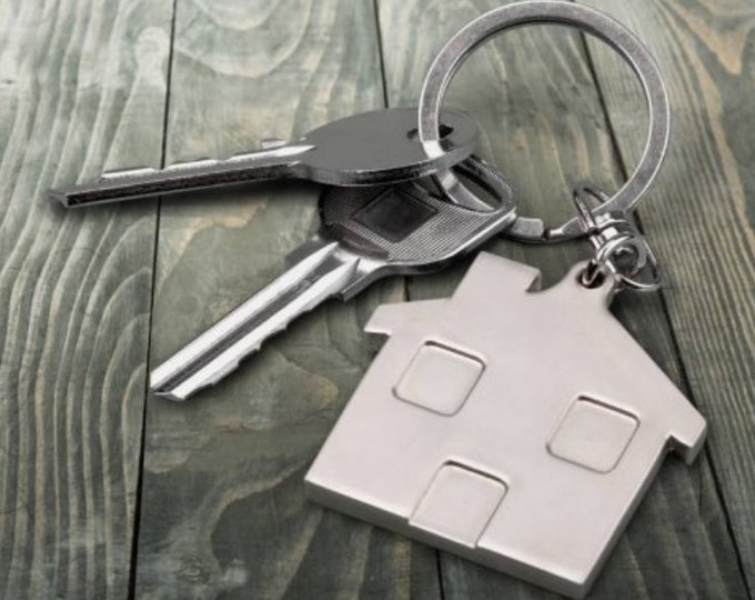 Personalized House shaped keychain