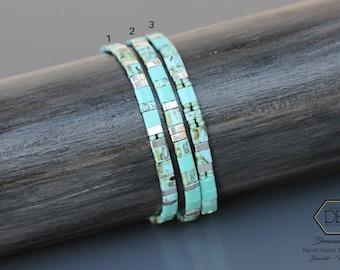 Bracelets minimalistes turquoises pour femme en perles plates à porter seuls ou empilés. Fermoir inox