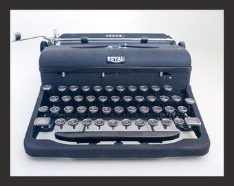 1941 Royal Arrow Typewriter (pica)