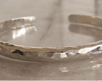 Hammered silver bangle bracelet