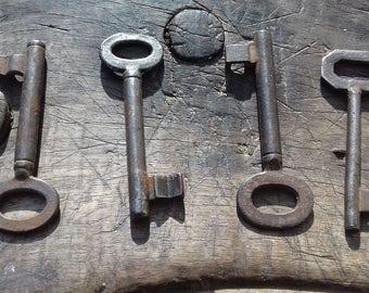 Set of 4 vintage skelton keys