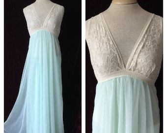 d5ba8ec292f Gorgeous Sea-foam Vintage Green Chiffon Nightgown Beige Lace Excellent  Condition Stretch Nylon Full Length Women s Lingerie Sexy. Clubdate57. 5 out  of ...