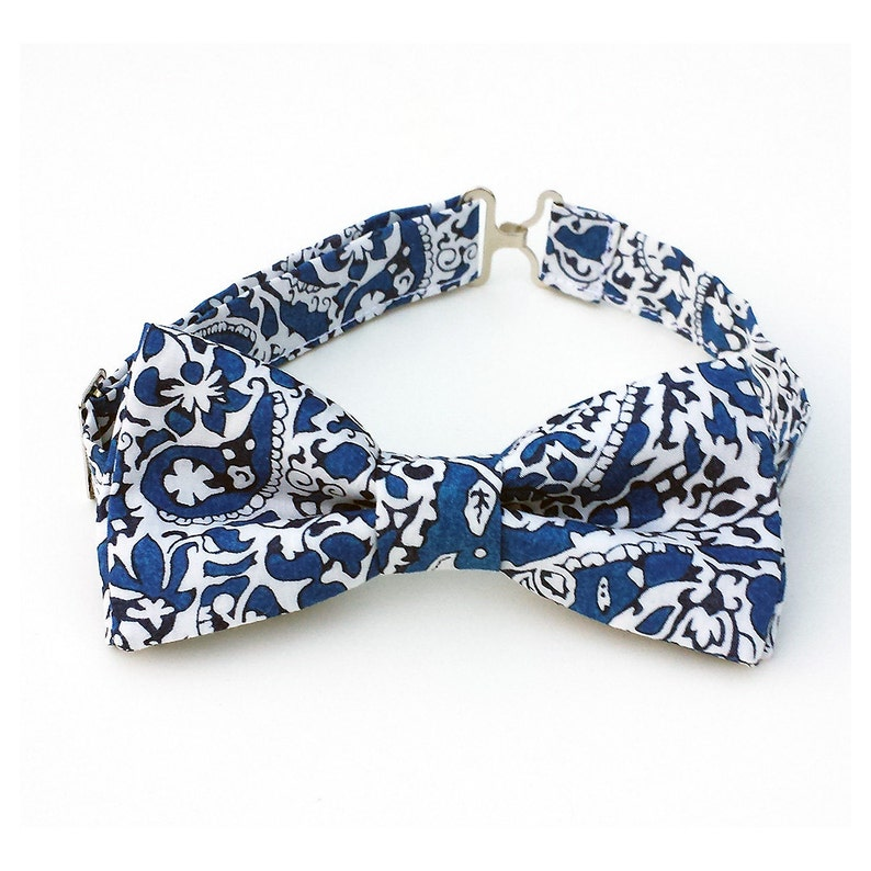 28095898 Boys bow tie in blue and white print for toddler for baby | Etsy