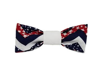 Patriotic Chevron bowtie|USA|American|Summer picnic and holidays| Gifts for dogs
