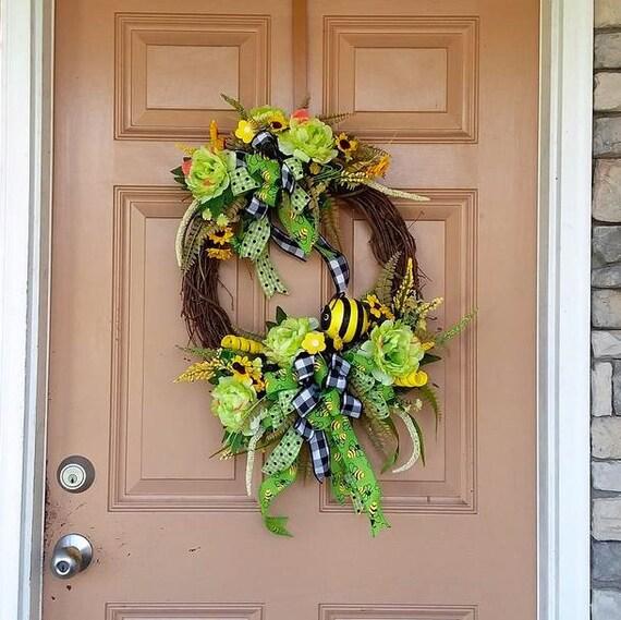 summer gift 17 Tan burlap wreath with honey bee sign and accent bow door decoration handmade gift front door