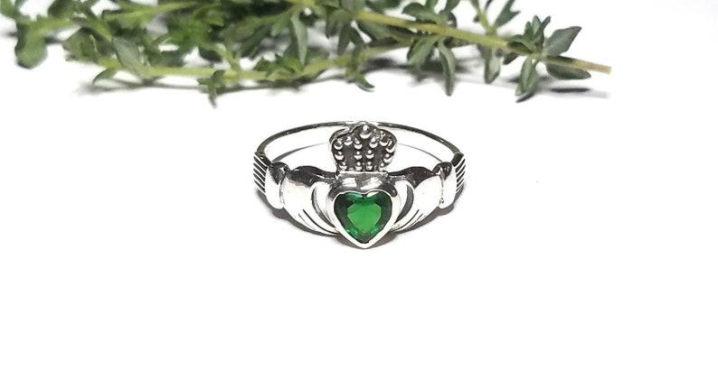 2539320ca6ec4 Claddagh Ring~Silver Claddagh Emerald Green Heart Stone Ring~Celtic Knot  Promise Ring~May Birthstone~Irish Wedding Ring~Gift for Her