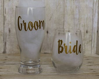 Bride and Groom Glasses-Wedding Glasses-Bride and Groom-Toasting Glasses-Bride Stemless Wine Glass-Groom Pilsner Glass-Wedding Gift