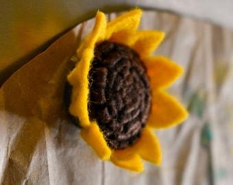 Sunflower Magnet   Handcrafted Felt Flower   Kansas State Flower