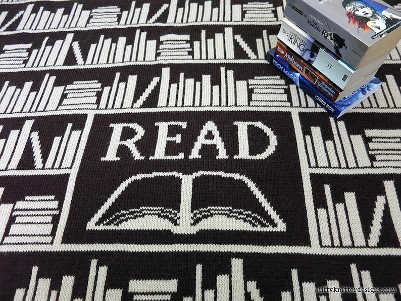 Knitting Pattern  Book Lover Blanket image 0