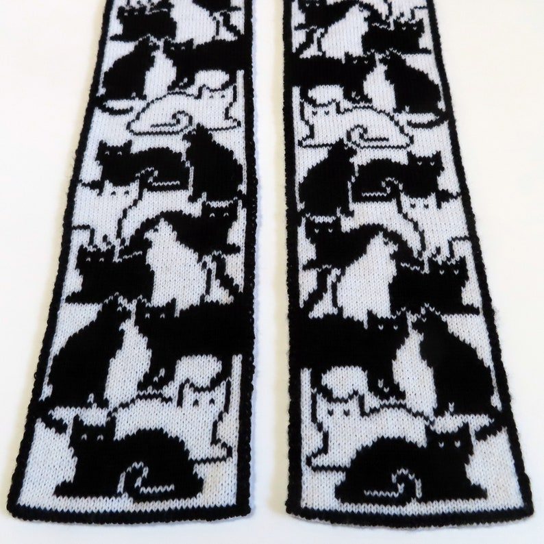 Knitting Pattern  Herding Cats Scarf image 0