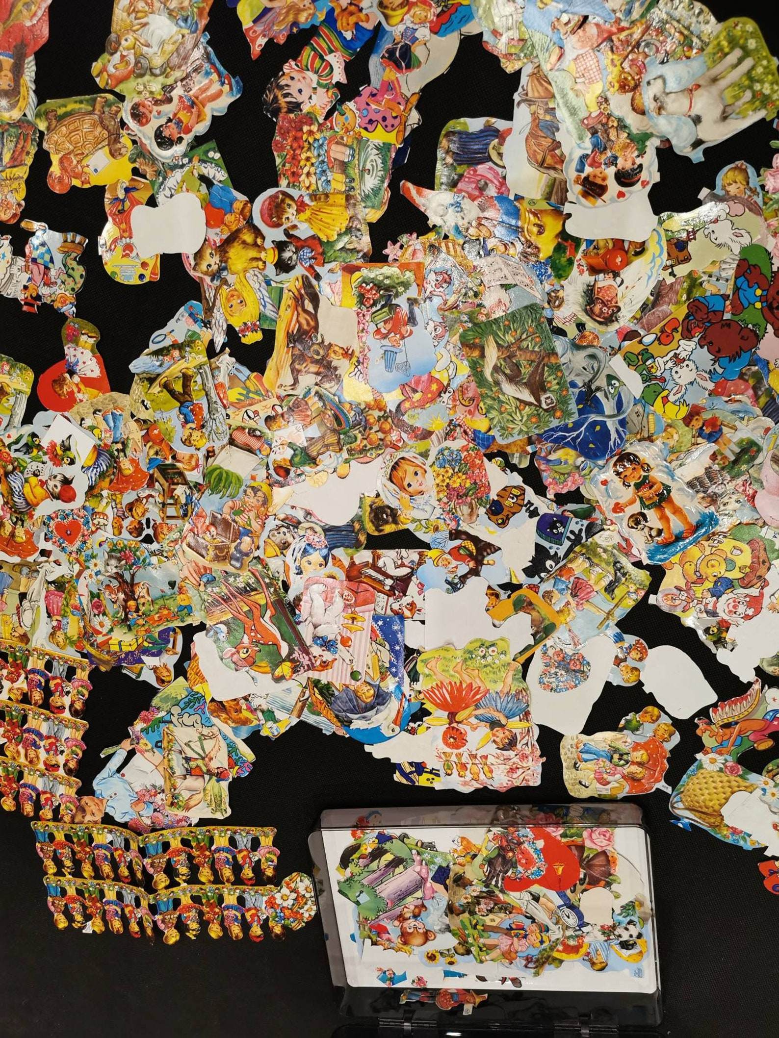 XL mixed lot glossy pictures all sorts of motifs 50-70s angel fairy tale kids 650-700 pieces