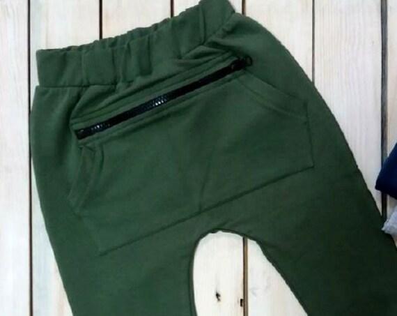 Pantalone con tasca e zip