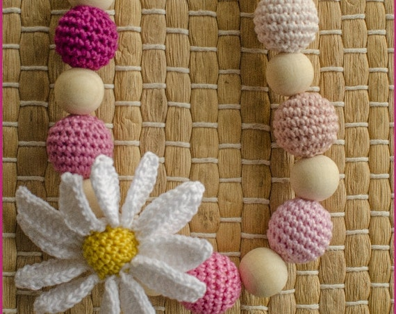 Daisy Nursing Necklace