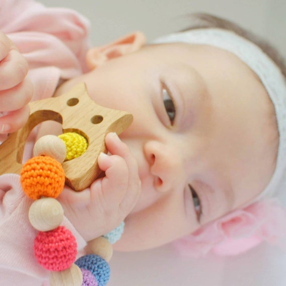 Playing crochet teething, wooden teether, Dentaruolo, Annello for teething, baby wearing, lactation necklace, owl