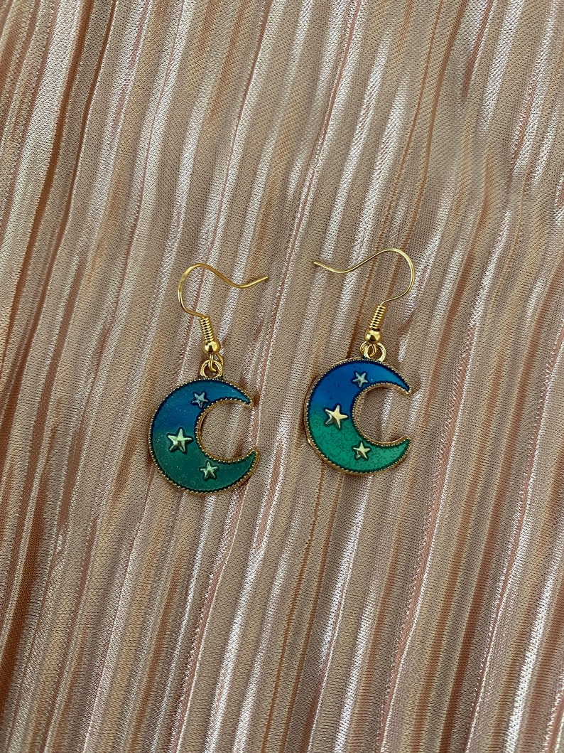 Valentine/'s Gifts for Girls Presents for Women Blue to Green Ombre Crescent Moon Dangle Earrings with Stars