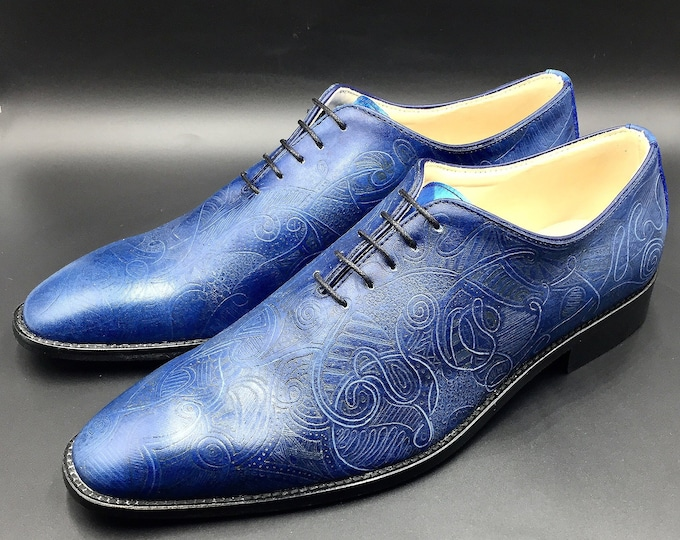 Man shoes leather, oxford wholecut, navy blue color, hand made in Italy