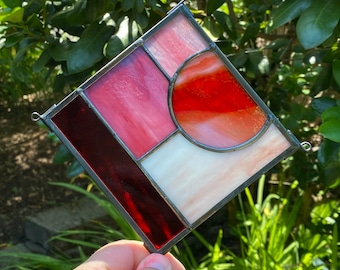 """FREE SHIPPING Abstract Square Stained Glass Sun Catcher 5"""" x 5"""" - Red Pink"""