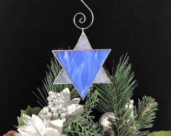 Star of David Stained Glass Ornament - Hanukkah Bat Mitzvah Rosh Hashanah Suncatcher Blue White Silver